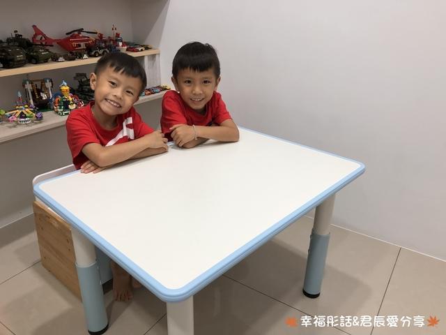 育兒好物│kikimmy我的第一張升降桌椅組 培養寶貝閱讀學習樂趣與調整良好坐姿,增進親子互動