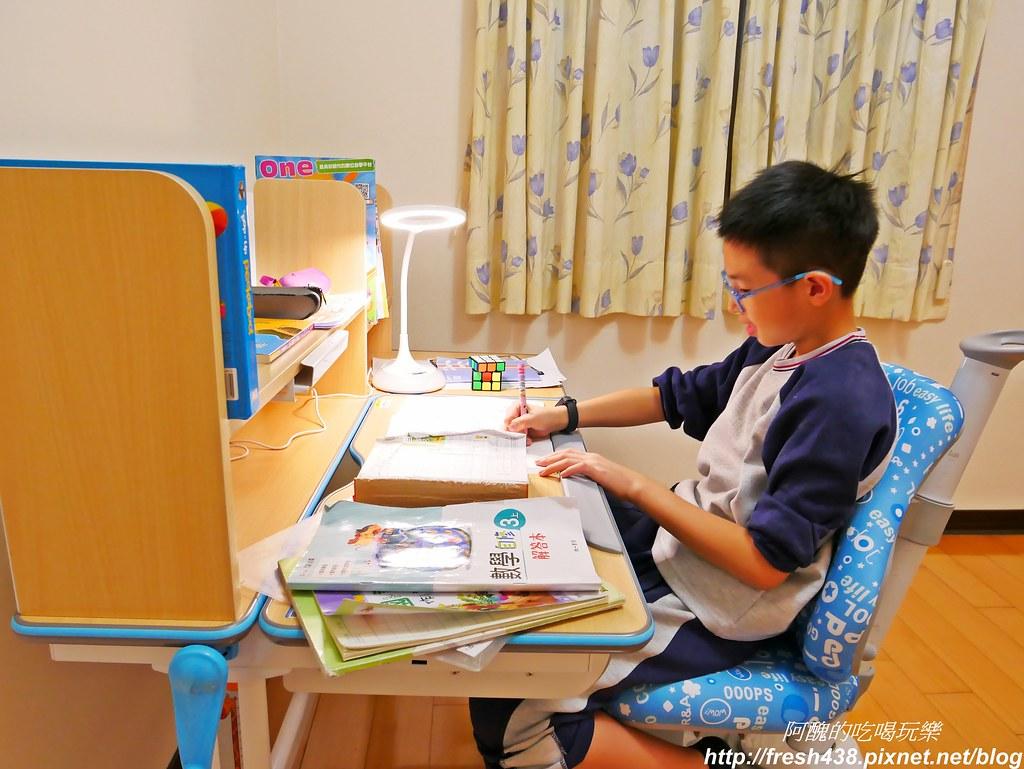 生活誠品-兒童成長書桌椅,可升降、符合人體工學,讓您從幼兒用到成人,讀書寫字繪畫更得力🏆